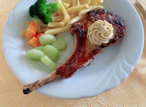 Mittagsmenü Schweinsrack